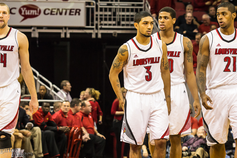 Peyton Siva brings out the troops for the second half.