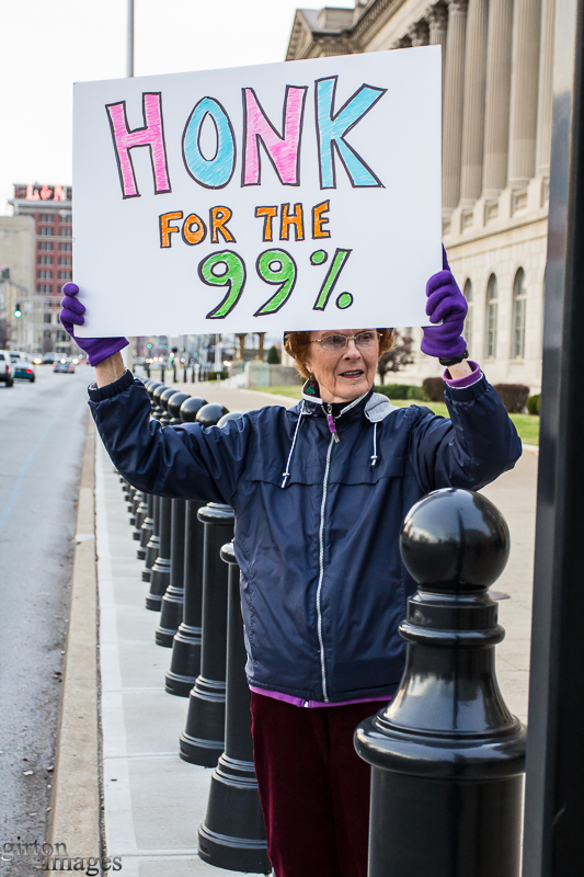 Ann Hamon gave rush hour drivers a way to show their support.